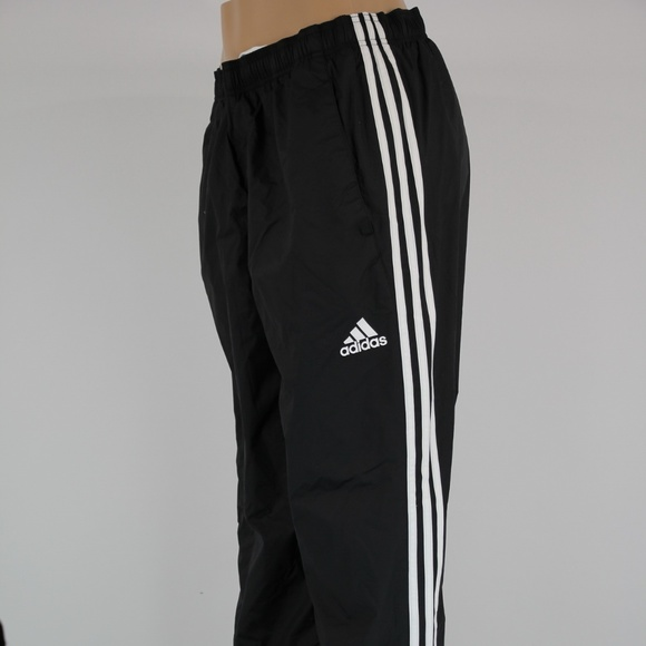 New! Adidas Mens ESS Woven Performance Training NWT
